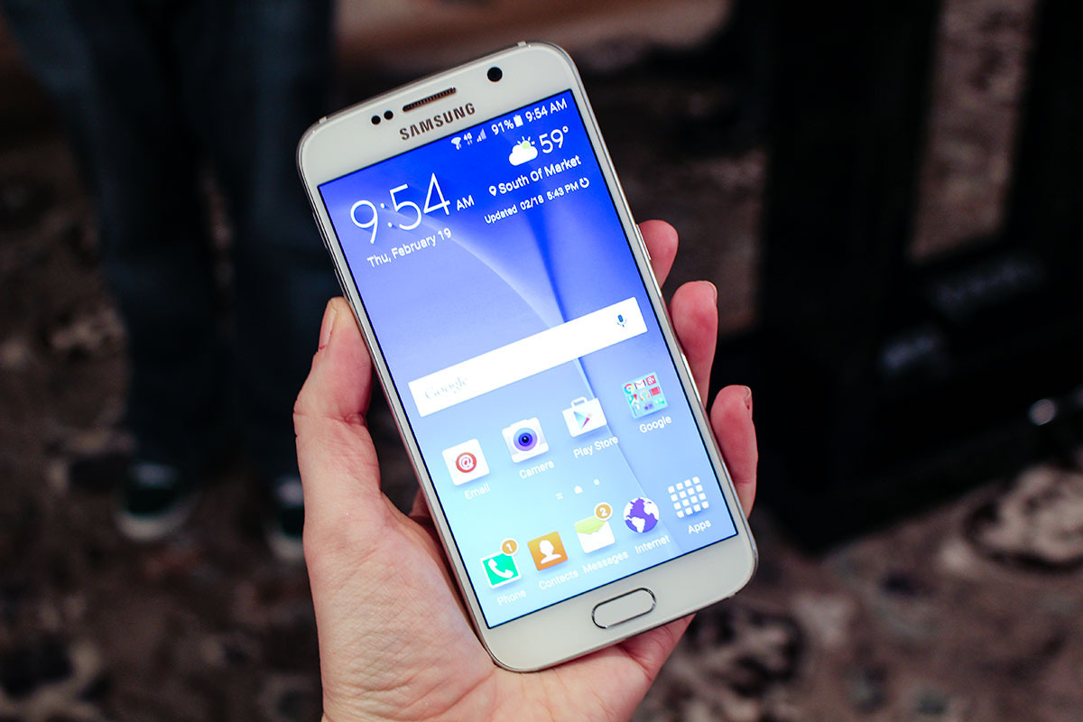 Mwc 2015 samsung lance 2 galaxy s6 classique et incurv for Samsung s6 photo ecran