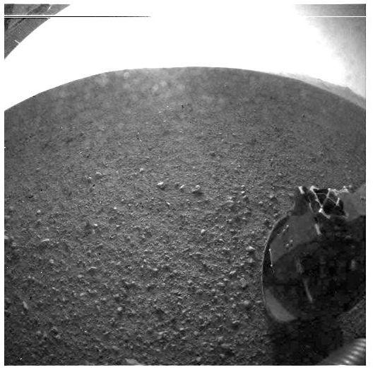 Premières images de Mars envoyé par l'engin motorisé Curiosity à son arrivée le 6 août 2012